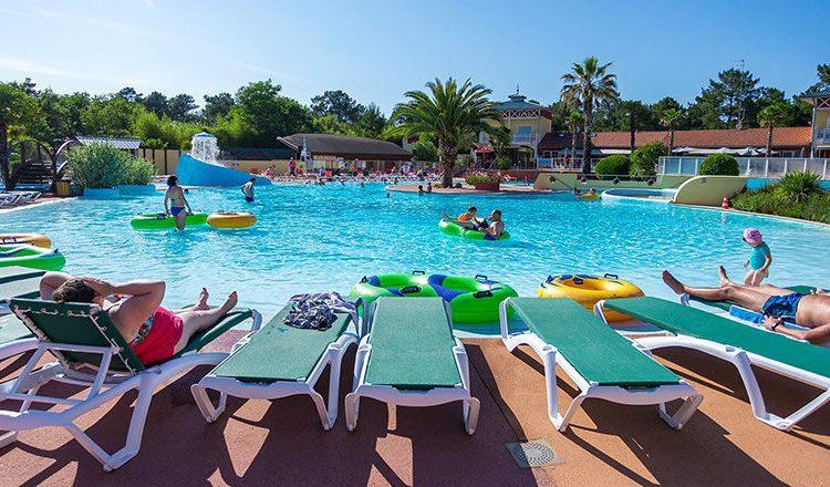 Combien coûtent des vacances au camping Lou Pignada dans les Landes ?