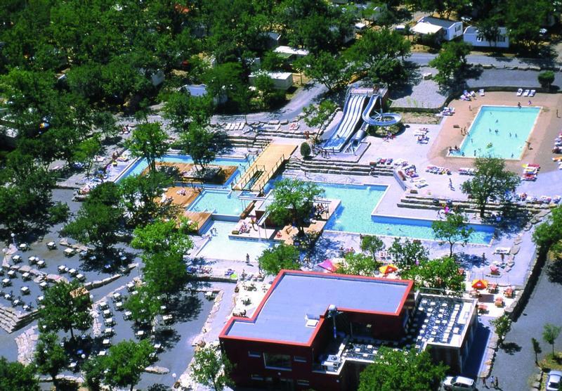 Camping avec piscine : quel est le meilleur à Ruoms ?